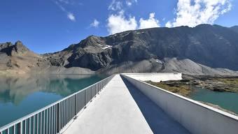 In der Schweiz ist im vergangenen Jahr 1,4 Prozent weniger Strom verbraucht worden als im Vorjahr. Grund dafür war vor allem das Wetter. Über Hälfte des in der Schweiz produzierten Stroms kam aus der Wasserkraft. (Archiv)