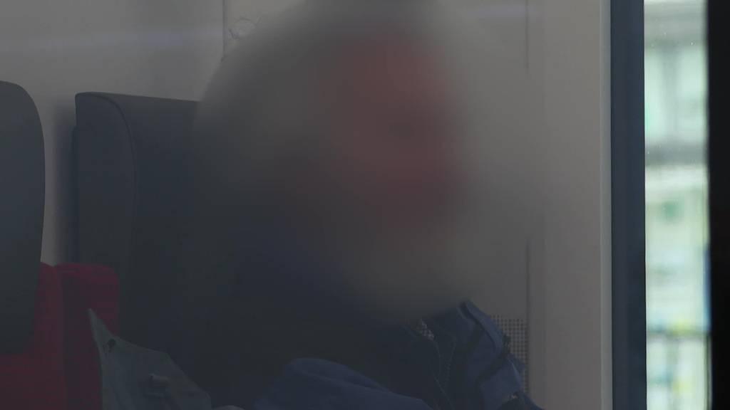 Maske ab im ÖV: BAG und SBB prüfen Regeln wegen «ÖV-Essern»