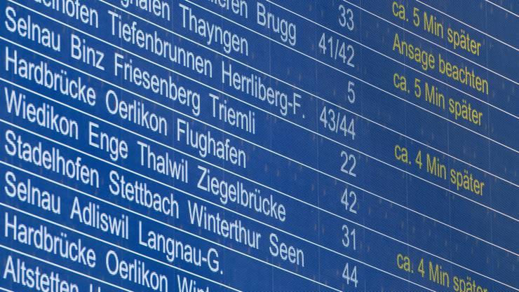 Verspätungen und Zugsausfälle sorgten unter den SBB-Kunden in den vergangene Monaten für viel Ärger. Nun wollen die Bundesbahnen ihre Stammkunden mit einem Gutschein besänftigen.