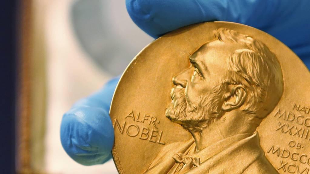 Die Nobel-Medaillen und -Urkunden werden am 10. Dezember, dem Todestag von Alfred Nobel, feierlich überreicht. (Archivbild)
