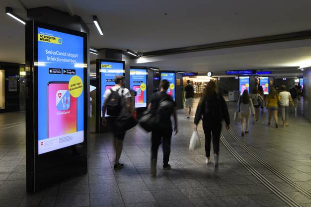 Plakatkampagne des BAG für die «Swiss Covid App».