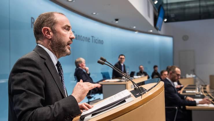 Der Tessiner Kantonsarzt Giorgio Merlani geht davon aus, dass die Gesellschaft nicht so bald zur Normalität zurückkehren wird.