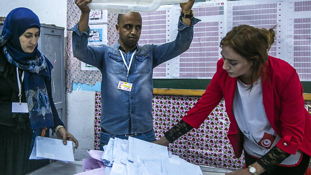 Geringe Beteiligung bei Parlamentswahl in Tunesien