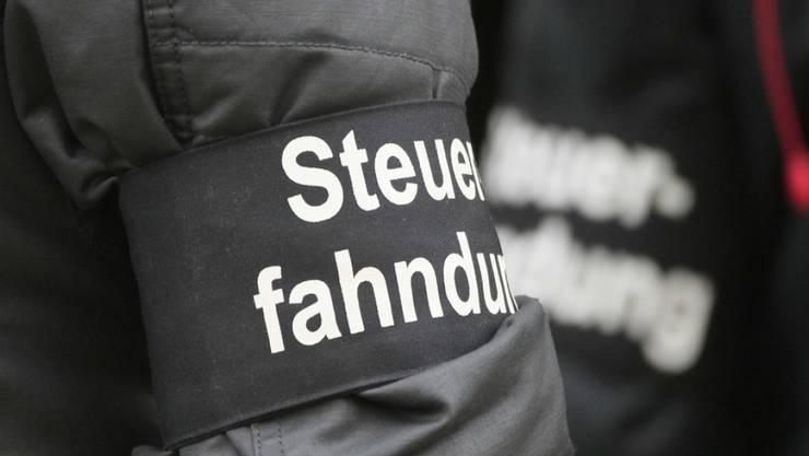 Auch im vergangenen Jahr zeigten sich Tausende reuige Steuersünder bei den kantonalen Steuerbehörden selbst an (Symbolbild).