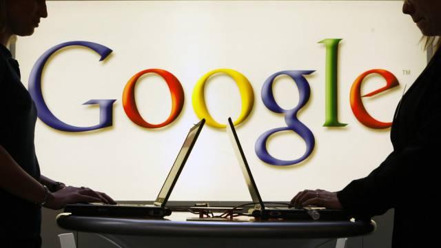 Google-Logo auf einer Messe in Hannover (Archivbild)