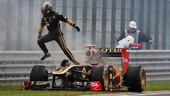 In Ungarn musste Heidfeld aus dem Renault springen - sein Abschied.