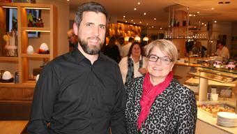 Geref-Präsidentin Franziska Bircher mit Gastgeber Michael Bracher im Café Kunz.