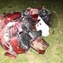Ein Motorradfahrer verletzte sich nach der Kollision mit einer Verkehrstafel.