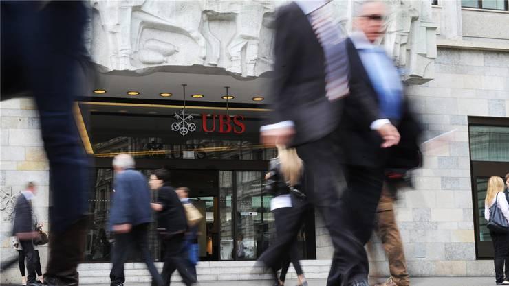 Für Spitzenkader von UBS und CS stimmt der Bonus.