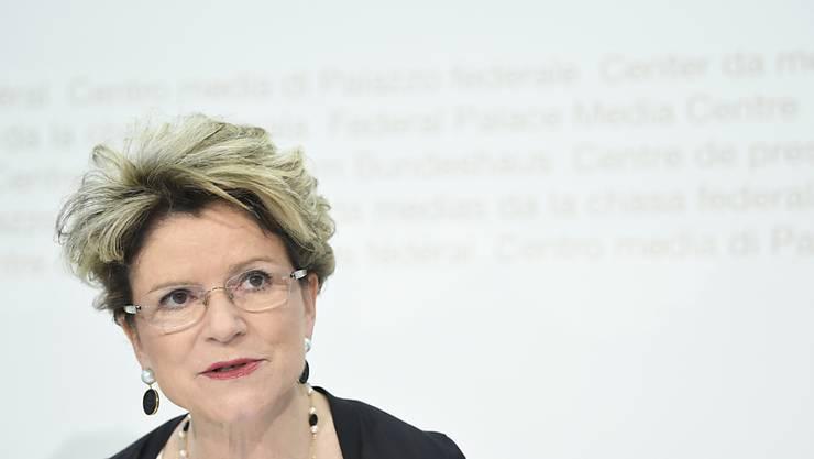 Staatssekretärin Marie-Gabrielle Ineichen-Fleisch präsentiert den jüngsten Bericht zu den Auswirkungen der Personenfreizügigkeit. Ihr Fazit: Die befürchteten negativen Auswirkungen der Zuwanderung für die Einheimischen sind nicht eingetroffen.