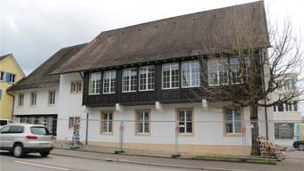 Die Umbauarbeiten am alten Gemeindehaus sind fast fertig; Ende Januar ziehen hier die beiden Polizeikorps ein. sUe