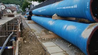 Am Sternenweg wird eine neue Wasserleitung gebaut.