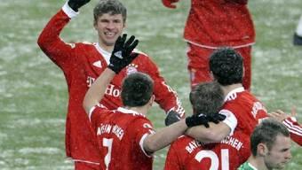 Bayern-Spieler feiern Einzug in die Cup-Halbfinals