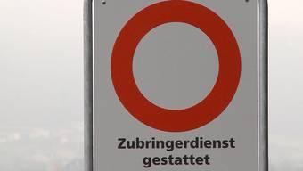 Private stellten in Strengelbach eine Fahrverbotstafel ohne das Einverständnis der Gemeinde auf. Jetzt wird gegen das Verbot vorgegangen.