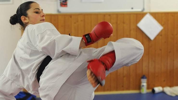 Die mehrfache Karate-Schweizermeisterin und aktuelle Weltnummer 2 hat bei der Europameisterschaft in Montpellier erstmals die Goldmedaille gewonnen. Damit hat sie als erste Schweizerin alle drei Karate-Titel in Europa geholt: zuerst als Juniorin, dann in der U21-Kategorie und nun bei der Elite.