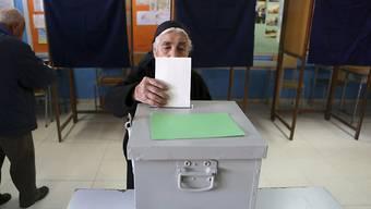Wahllokal in Nikosia: Die Zyprer müssen in einer Stichwahl am kommenden Sonntag über ihren neuen Präsidenten entscheiden.
