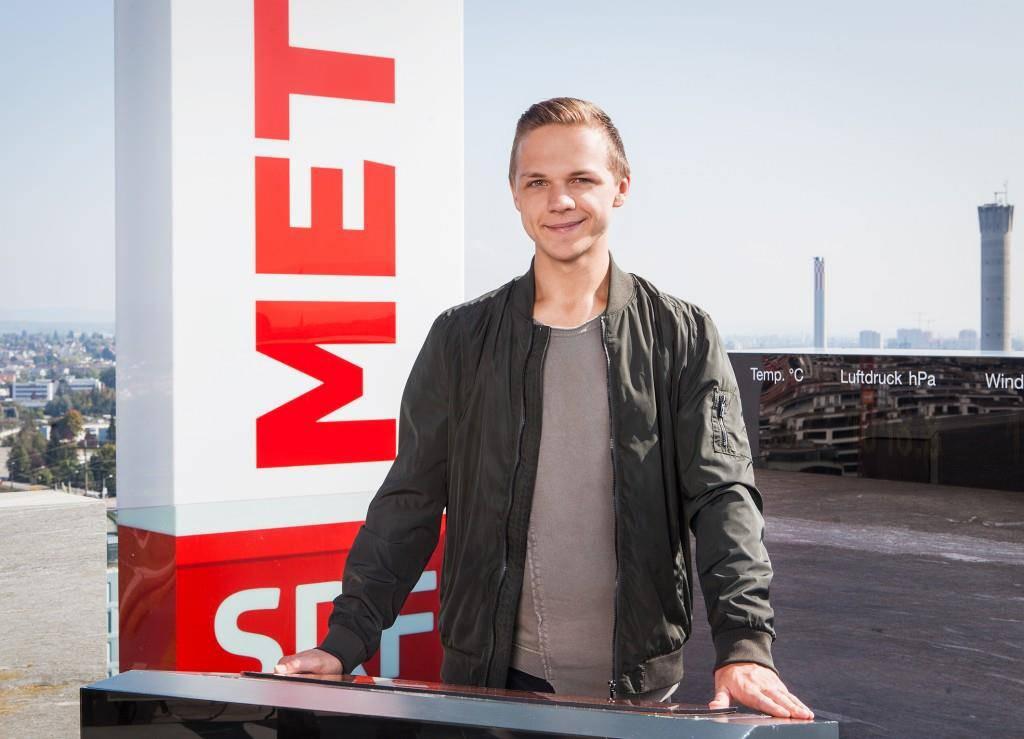 Mauro Hermann darf «SRF Meteo» moderieren. (© SRF/Miriam Künzli)