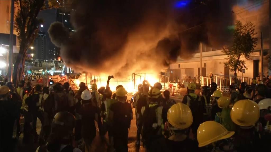 Demonstranten versuchten Parlament zu stürmen