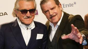 Dieter Meier (l.) und Boris Blank vom Elektro-Pop-Duo Yello treten Ende 2017 nach fast 40-jähriger Bandgeschichte erstmals in der Schweiz auf. (Archivbild)