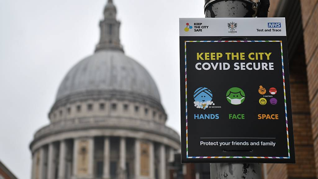 Britische Experten fürchten weitere Verschärfung der Corona-Lage