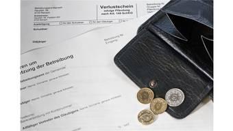 """""""Die Schulden lasten schwer auf den Personen und haben oft auch Folgen für andere Lebensbereiche"""", betonten die Initianten am Montag im Kantonsrat."""