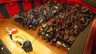 Voller Saal am Aare Forum.
