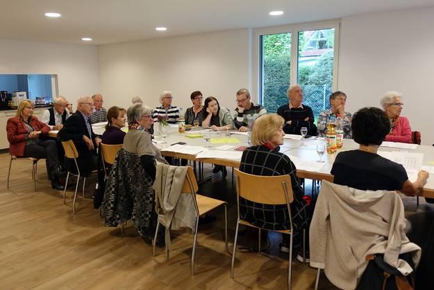 Teilnehmer im Saal der WBG Wallbach