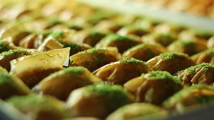 Die klassiche Baklava - aufgepeppt mit Pistazienstreusel.