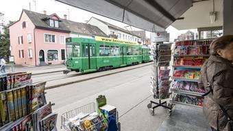 Der Lindenplatz in Allschwil wird umgebaut. Das Kioskhäuschen wird ersetzt und verschoben. (Archivbild)