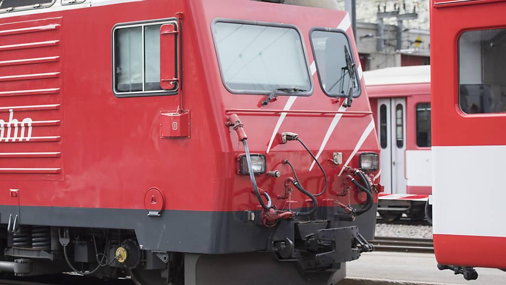 Die Matterhorn Gotthard Bahn (MGBahn) hat wegen Hochwassergefahr den Betrieb zwischen Realp und Andermatt UR eingestellt. (Archivaufnahme)