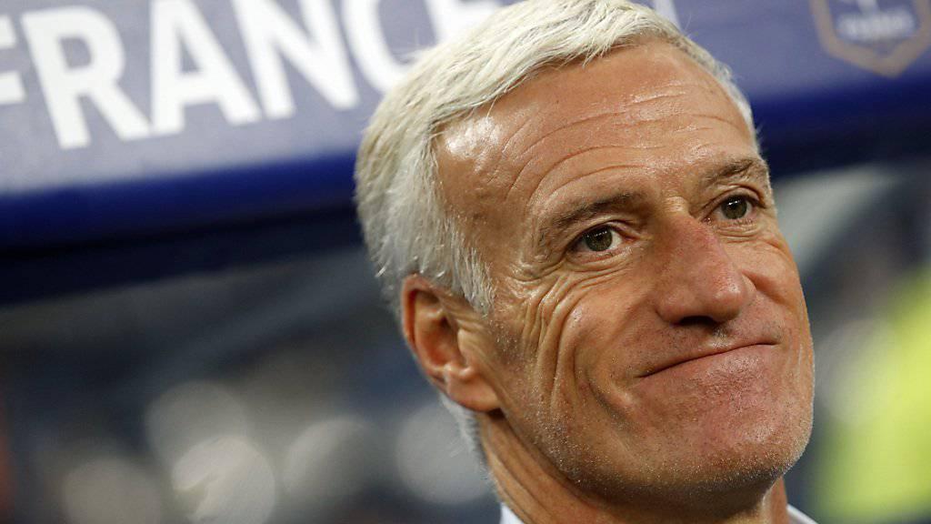 Didier Deschamps freut sich über den neuen Vertrag.