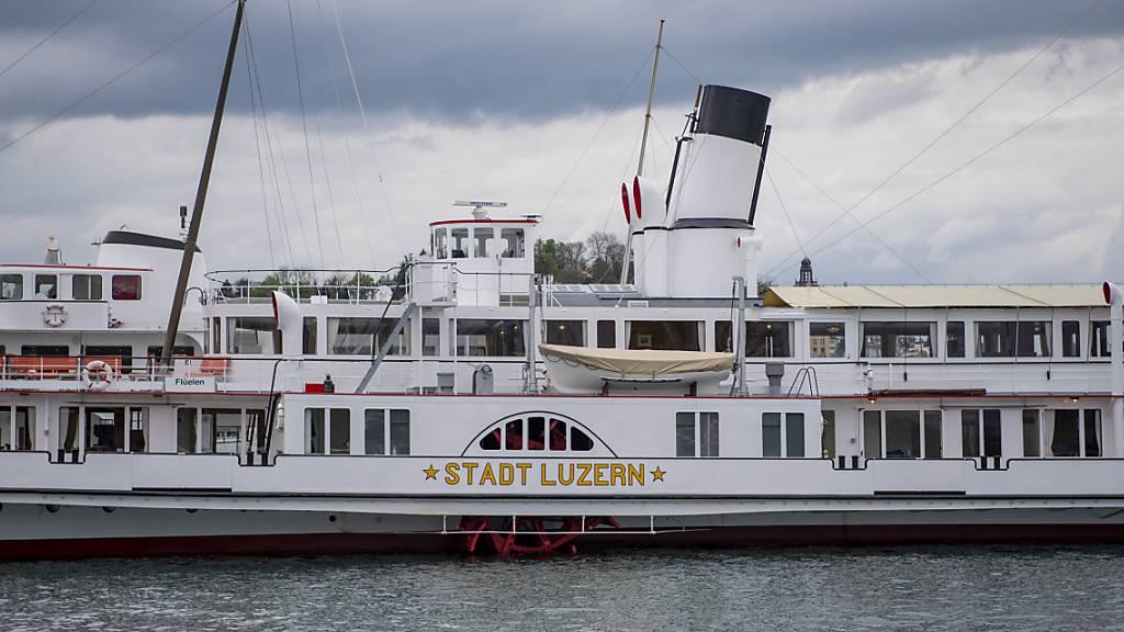 «Stadt Luzern» dampft mit neuen Kesseln auf dem Vierwaldstättersee