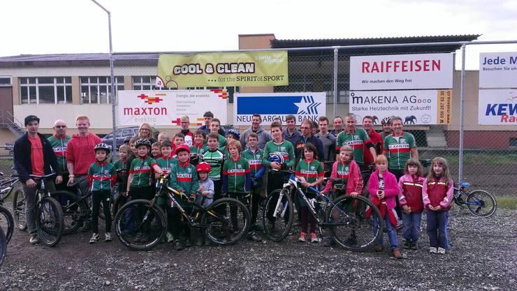 Die begeisternden Kaister Kids mit den Betreuern und Eltern in Leibstadt.