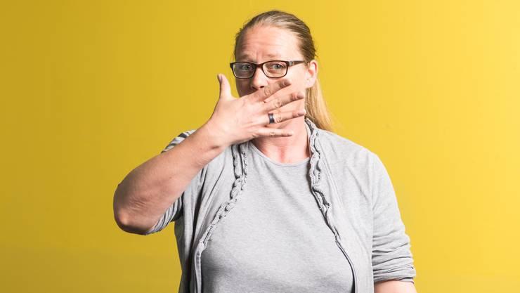 """Die Gehörlosenseelsorgerin Anita Kohler bezeichnet sich als Ökumene in Person. """"Mein Vater war reformierter Diakon und meine Mutter eine katholische Nonne"""", sagt sie."""