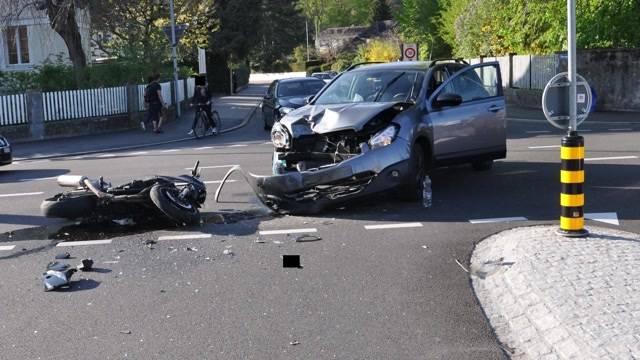 Harleyfahrer bei Unfall schwer verletzt