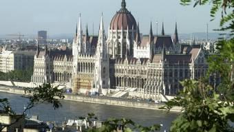 Ungarn hat erneut Öl ins Feuer im Streit mit der EU gegossen und startet eine Kampagne gegen Brüssel. (Archivbild)