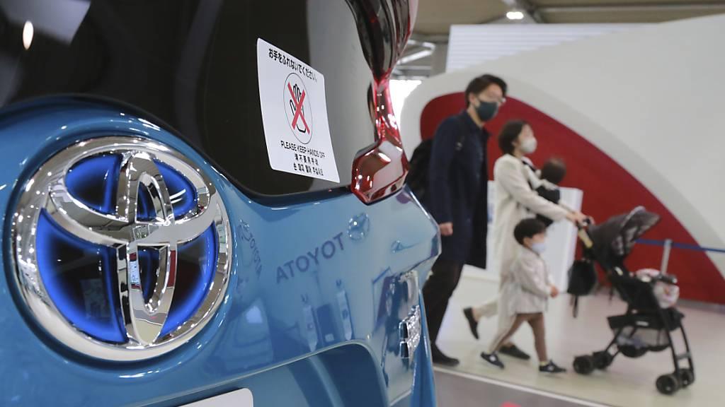 Der Autobauer Toyota hat die Folgen der Corona-Pandemie weniger stark zu spüren bekommen als andere Hersteller. (Archiv)