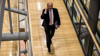 Die Frage also wäre, mit welchem Personal die SPD in allfällige Neuwahlen gehen würde. Schulz abermals als Kanzlerkandidat?
