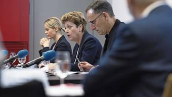 Gesundheitsdirektorin Natalie Rickli, Regierungspräsidentin Silvia Steiner und Sicherheitsdirektor Mario Fehr traten am Freitag erneut vor den Medien auf, um über die aktuelle Lage zu informieren.