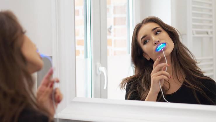 Starke Farbveränderungen werden von der Zahnschiene aufgehellt.