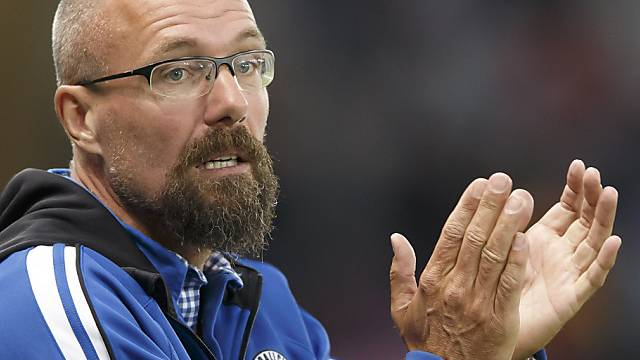 Winterthur-Trainer Jürgen Seeberger hat allen Grund zum Klatschen.