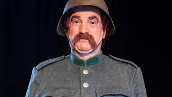 Der Schauspieler Gilles Tschudi tritt mit der Rolle des legendären HD-Soldats Läppli in grosse Fussstapfen.