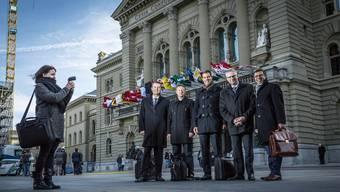 Die fünf Aargauer Nationalräte nach ihrer Wahl 2015: Thomas Burgherr (SVP), Jonas Fricker (Grüne), Thierry Burkart (FDP), Andreas Glarner (SVP) und Matthias Jauslin (FDP, von links) – diesen Herbst dürfte es mehr neue Gesichter in Bern geben.