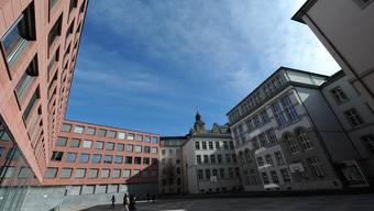 Das Leonhard ist mit 796 Schülerinnen und Schülern das grösste Gymnasium der Stadt.