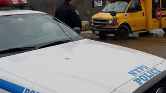 Die New Yorker Polizei büsst einen Behinderten wegen lauten Lachens (Symbolbild)