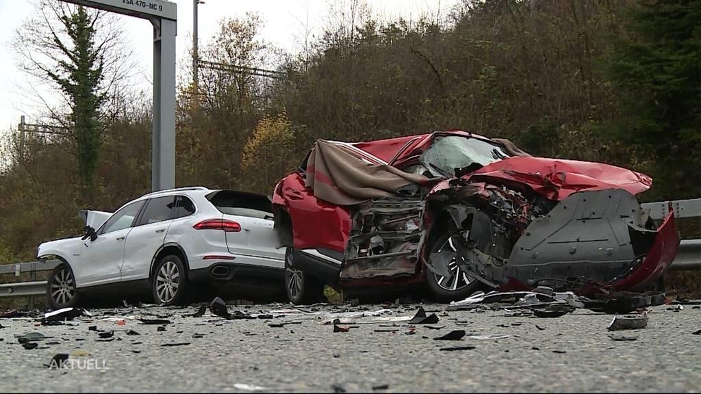 Drei Tote beim Bözbergtunnel: Ein Porschefahrer soll wegen des Unfalls 7 Jahre ins Gefängnis