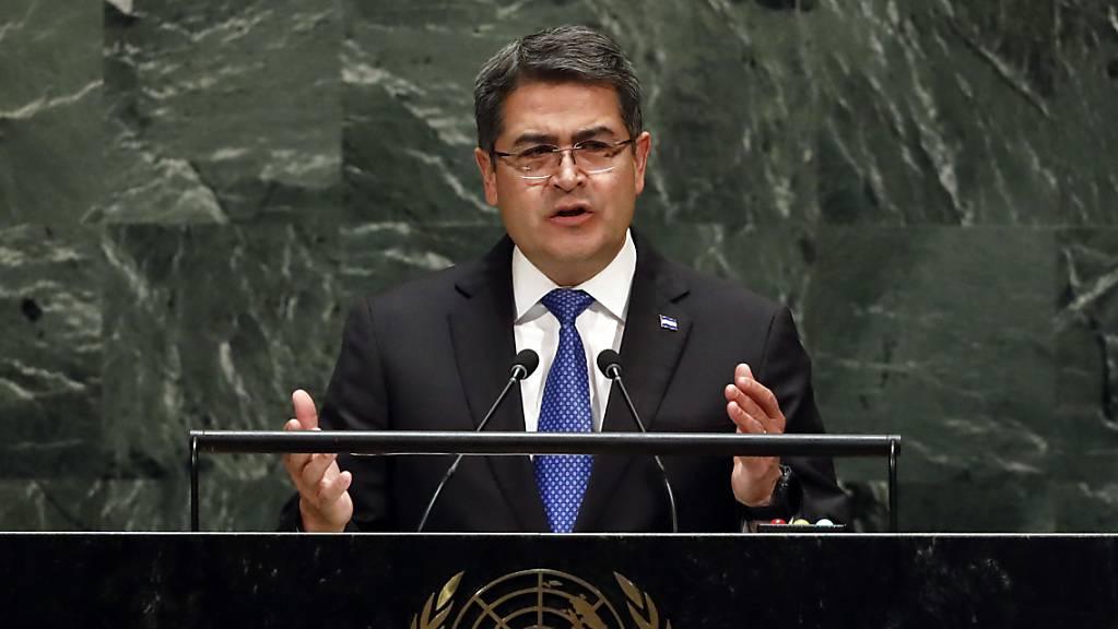 Am Rande der Uno-Vollversammlung haben am Mittwoch der Präsident von Honduras, Juan Orlando Hernández (Bild), und US-Präsident, Donald Trump, ein Abkommen zur Migration unterzeichnet.