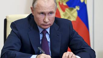Der russische Präsident Wladimir Putin äußerte sich zu Waffenruhe zwischen den verfeindeten Staaten Armenien und Aserbaidschan. Foto: Alexei Nikolsky/Pool Sputnik Kremlin/AP/dpa