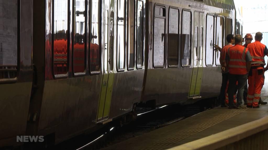 Schockmoment: BLS-Zug entgleist kurz vor Abfahrt im Bahnhof Bern
