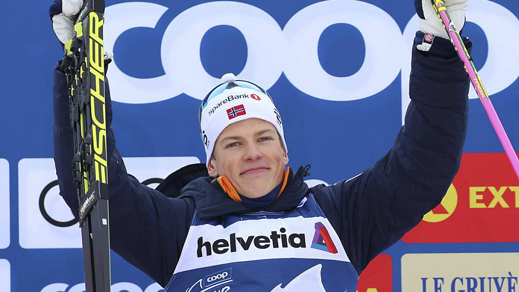 Mit einem Kraftakt das Leadertrikot verteidigt: Johannes Hösflot Klaebo gewann zum ersten Mal die Tour de Ski